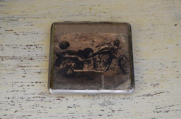 majka tabakera retro motor