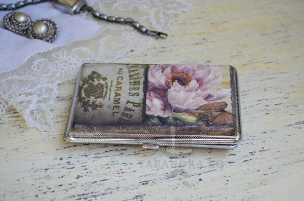 tabakera s rozi paris